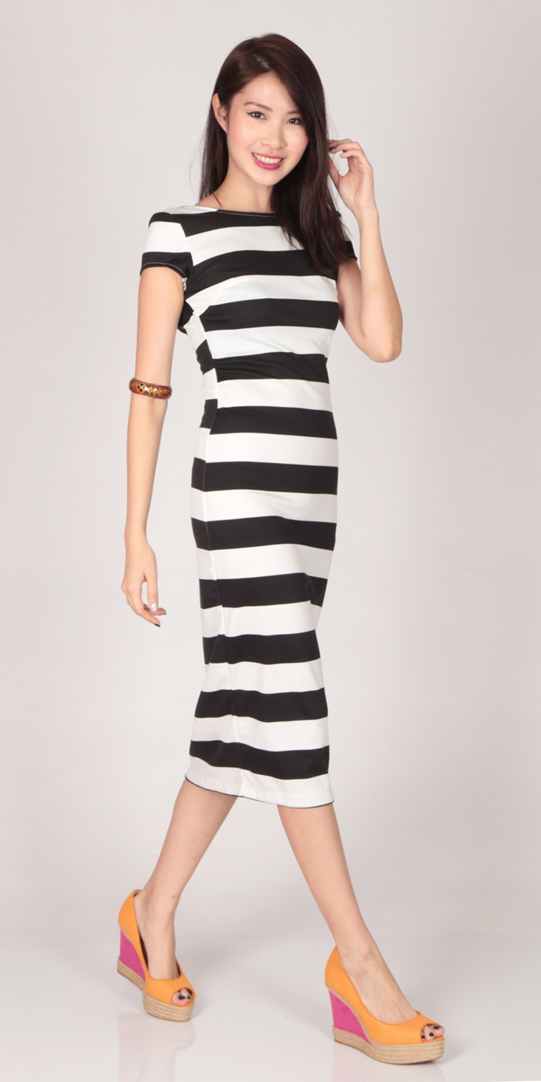 Striped Sleeve Scoop Back Maxi Dress